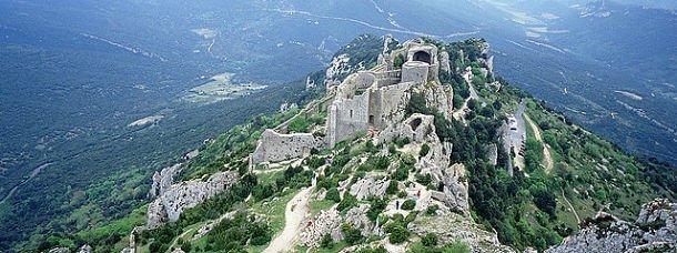 Pays Cathare: Mystères aux pieds des Pyrénées
