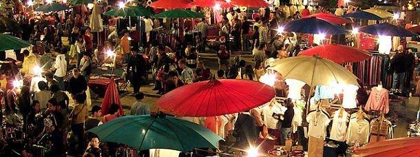 Marchés de nuit en Thaïlande