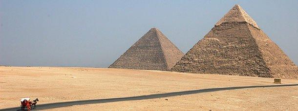 Les merveilles du monde: les pyramides d'Égypte