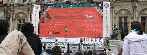 Rolland Garros s'installe à l'hôtel de ville de Paris