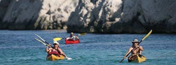 Pratiquer le kayak dans les calanques, un rêve