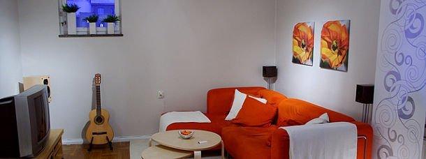 appartement-location-canape-orange