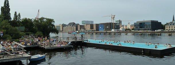 Badeschiff, la piscine sur le Spree