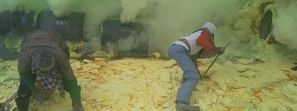 Les mineurs travaillent dans des conditions dantesques