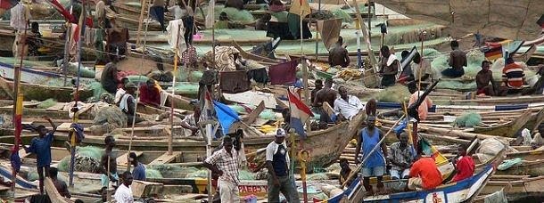bateaux-pecheurs-ghana-afrique