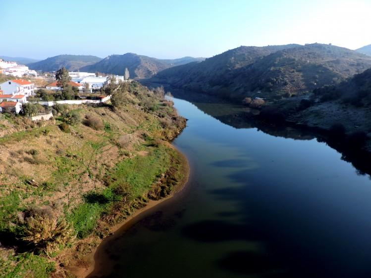 mértola portugal fleuve
