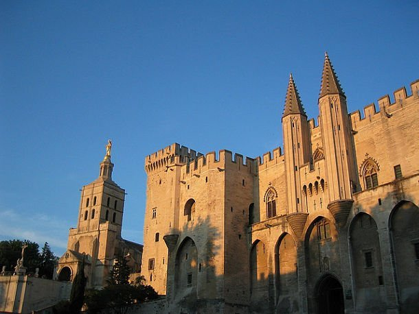 Le Palais de papes © photo credit: Jerry Pank