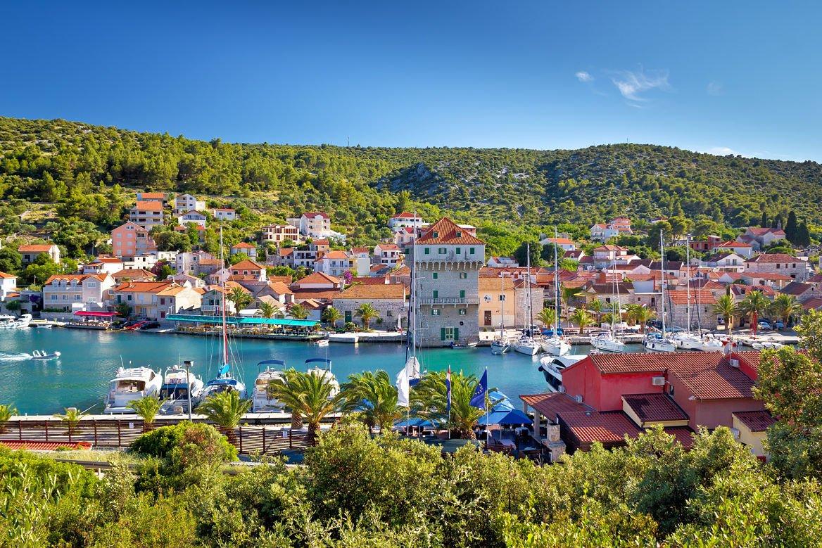 La marina de Trogir, Croatie