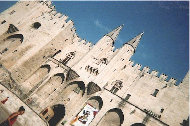 Le Palais des Papes, lieu phare du festival.