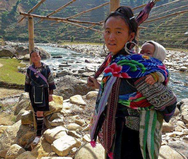 vietnam-jeunes-filles-dans-rivieres