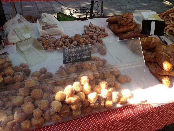 Spécialité corse: beignets au brocciu