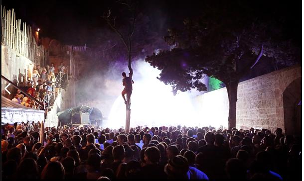 festival dimensions