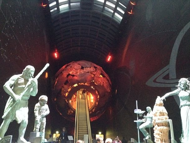 A l'intérieur du Museum of National History.