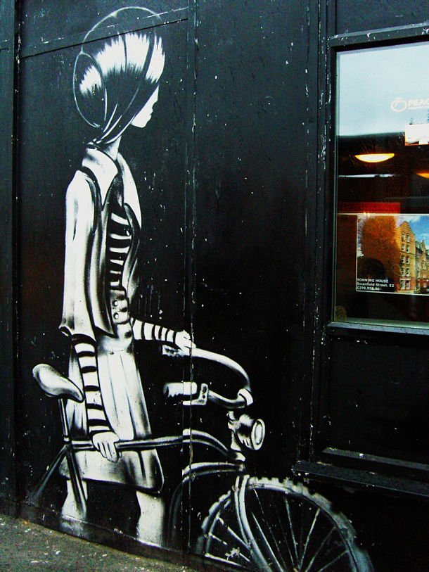 "Street art dans Brick Lane - photo credit: <a href=""https://www.flickr.com/photos/eduardonasi/2953953843/"">Eduardo Nasi</a> via <a href=""https://photopin.com"">photopin</a> <a href=""https://creativecommons.org/licenses/by-nc/2.0/"">cc</a>"