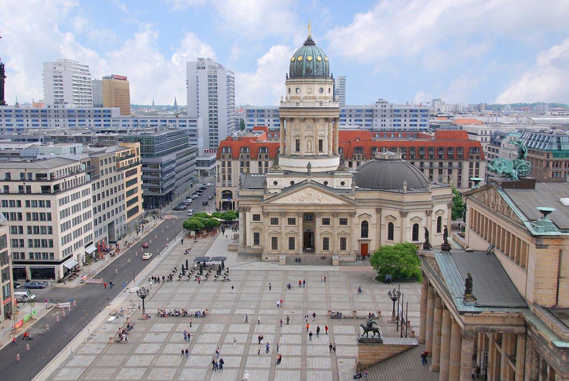Gendarmenmarket et l'église française, Berlin, Allemagne