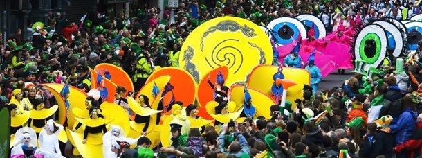 Parade gigantesque sur plus de 2,5 km dans Dublin