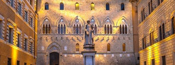 piazza-salimbeni-sienne