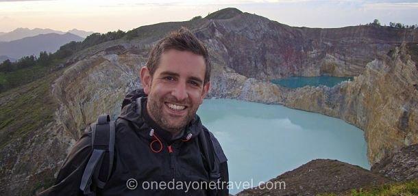 franck au sommet du Kelimutu a Flores en Indonesie