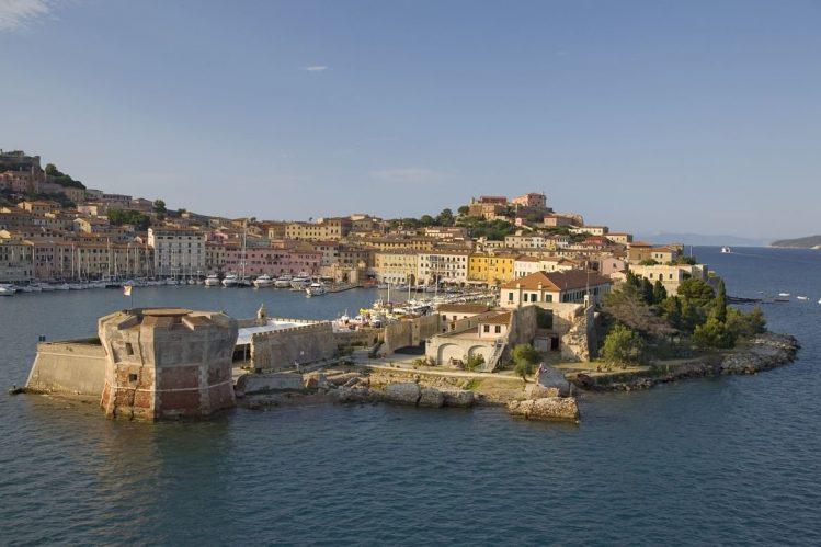 Portoferraio sur l'île d'Elbe en Toscane, Italie destinations vacances ete