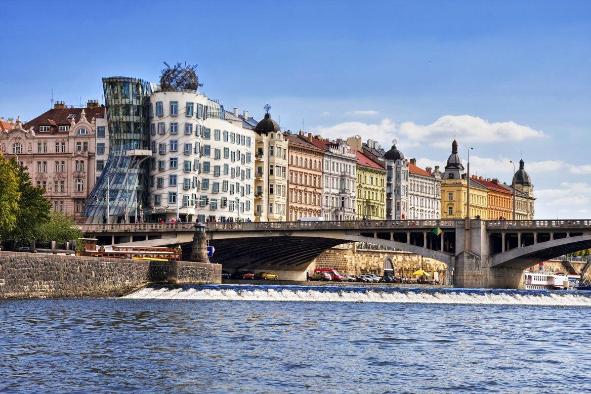 La maison qui danse, Prague