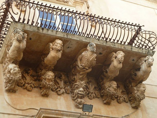 sicile Les personnages baroques de Noto ©Jean Tiffon