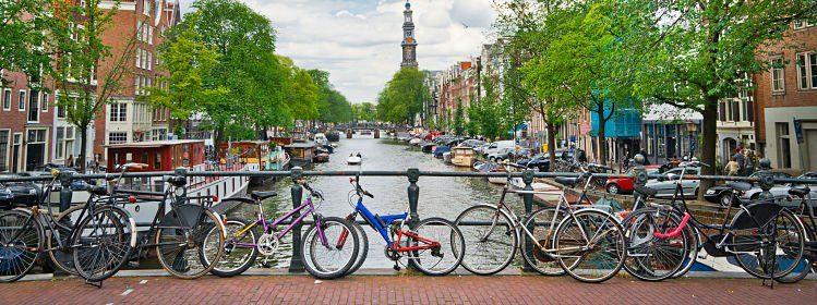 Week-end au bord des canaux: Bruges ou Amsterdam?