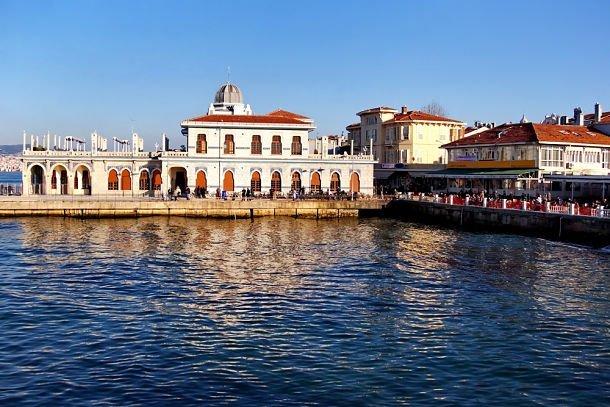 Buyuk Ada ©Faraways - Shutterstock istanbul environs
