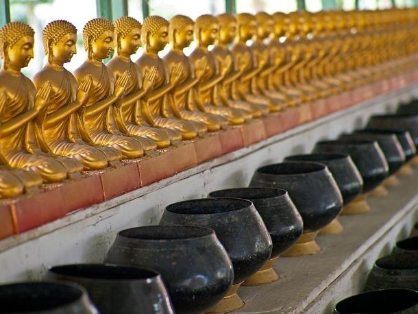 statues de bouddha thailande souvenirs