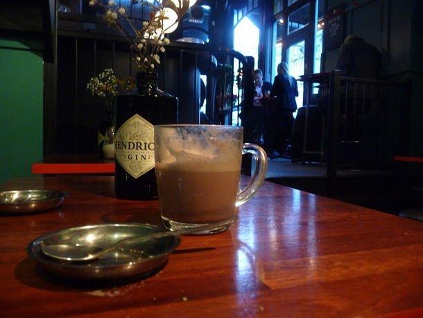 Plus calme en journée, le Flamingo fait de très bons chocolat chaud - R.Hamon