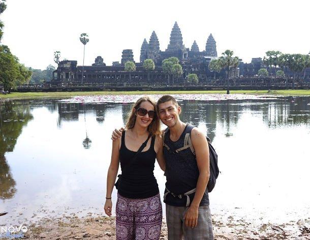 Fabienne et Benoît à Angkor Wat, Cambodge ©Novo Monde