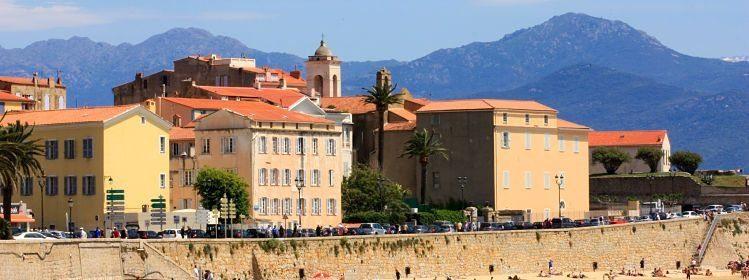 Corse : Bastia ou Ajaccio ?