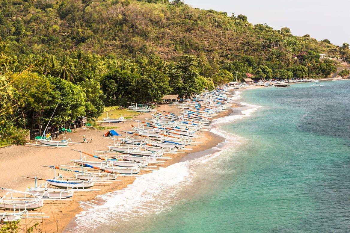 Plage au nord de Bali, près d'Amed