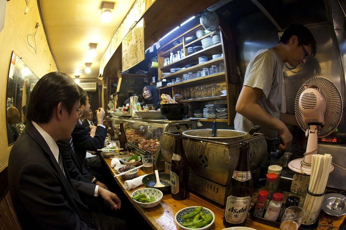 Restaurant dans le quartier Golden Gai à Tokyo, Japon