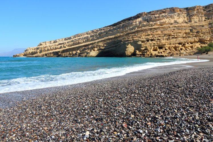 La plage de Matala, Crète