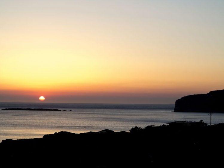 Coucher de soleil sur la plage de Falassarna, Crète
