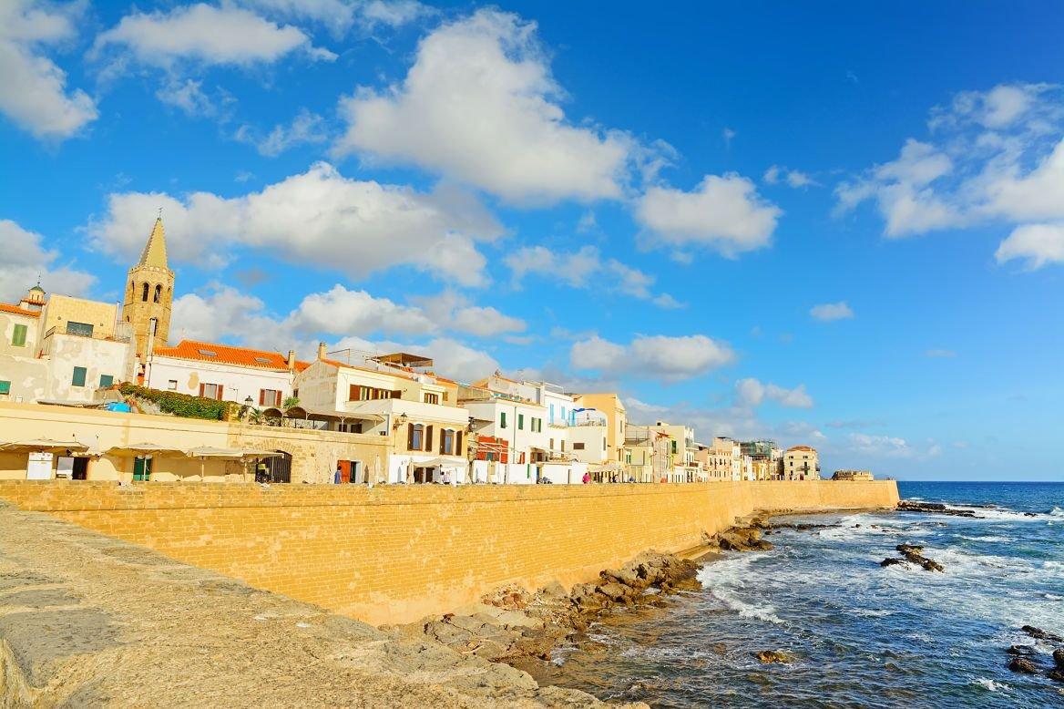 Le front de mer d'Alghero, Sardaigne