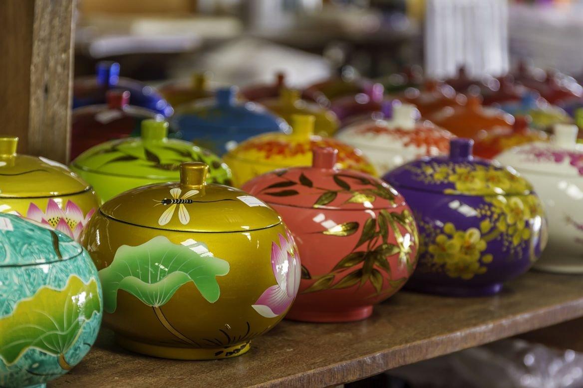 Pots décorés et peints