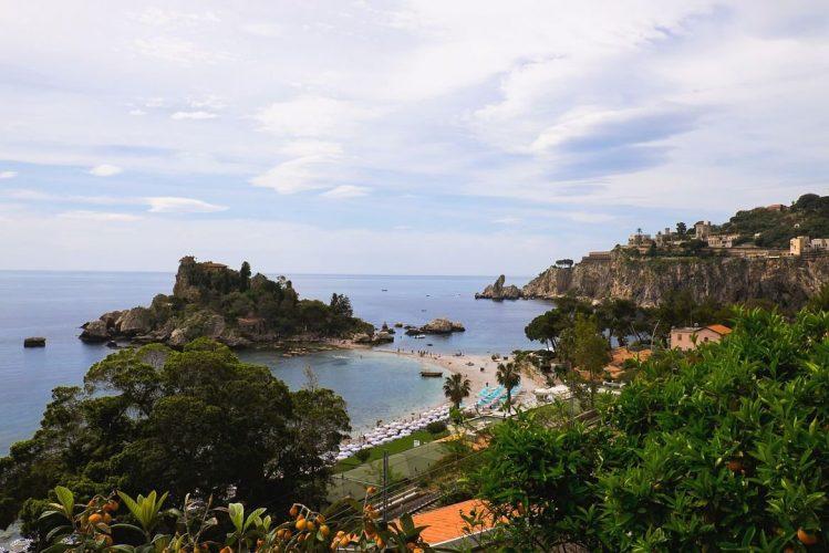 La plage de Isola Bella à Taormina, itinéraires