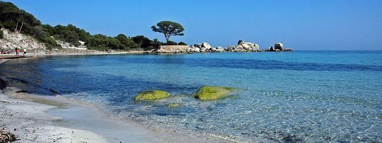 La plage de Polombaggia, Corse ©Yves Souchon/Shutterstock
