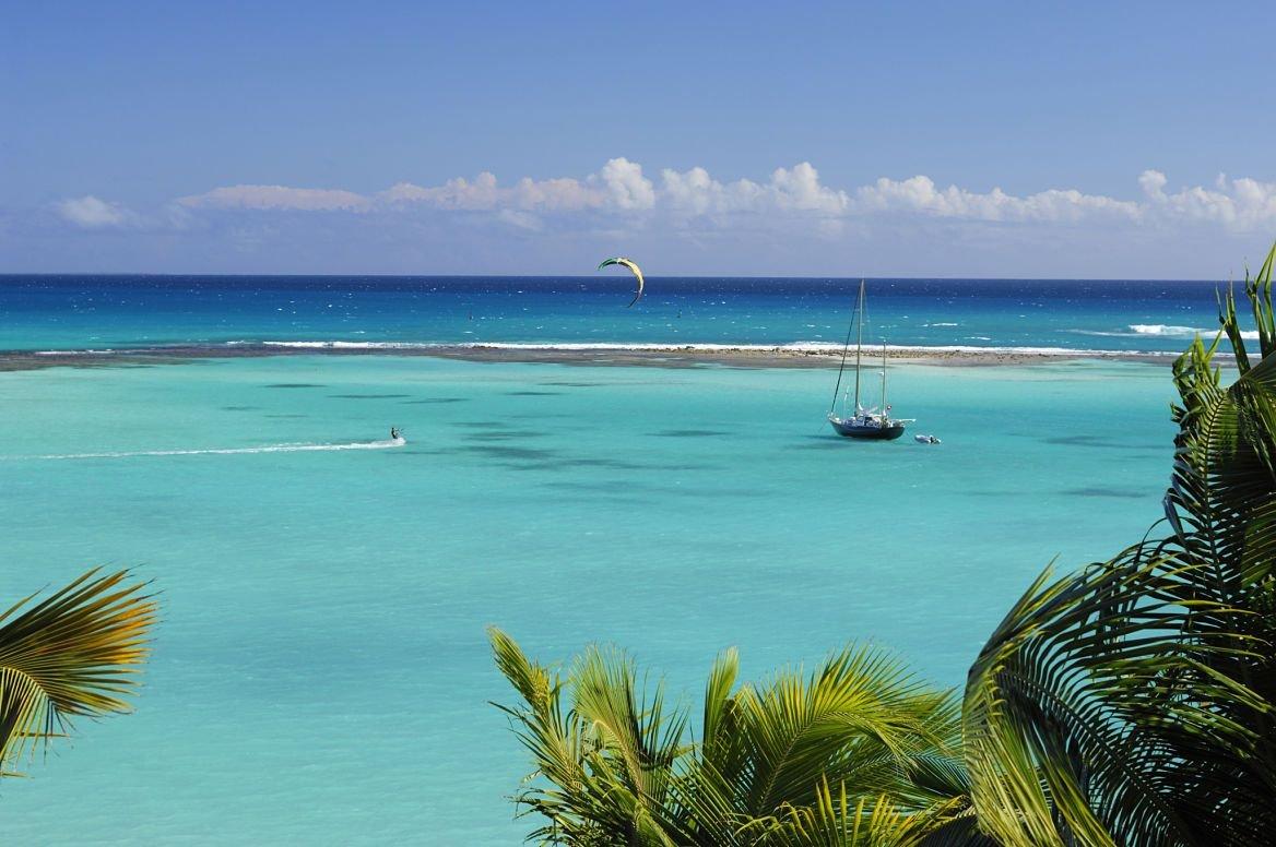 Kite-surf dans le lagoon de Saint-François, Guadeloupe