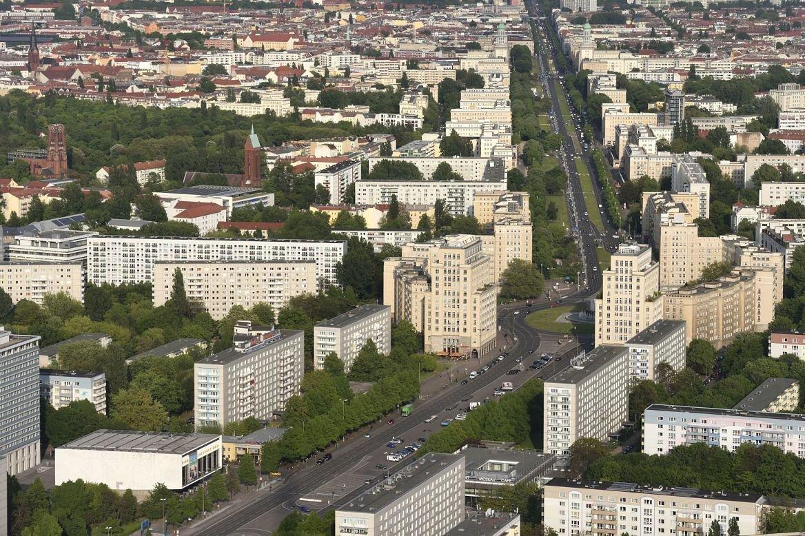 La Karl-Marx Allee, Berlin, Allemagne