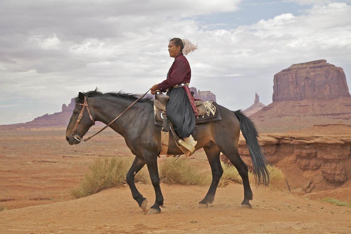 Femme navajo, Monument Valley, États-Unis