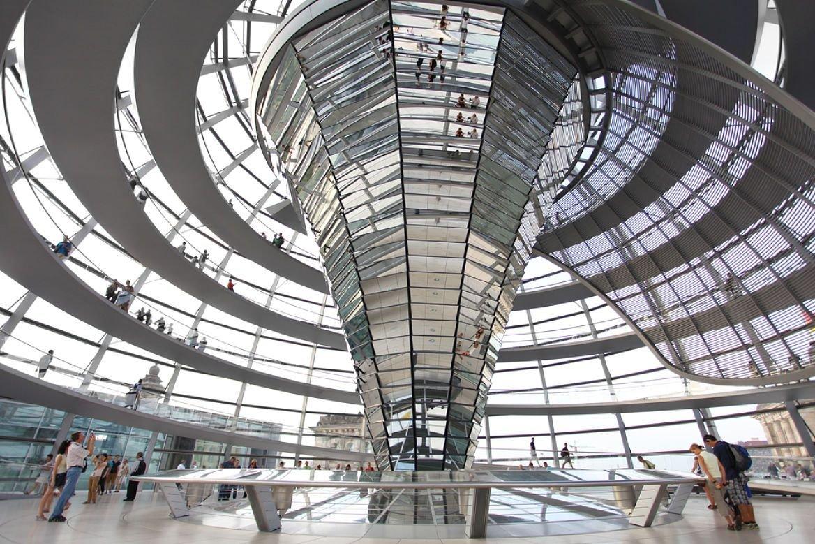 Dôme de verre dans le bâtiment du parlement, Berlin, Allemagne