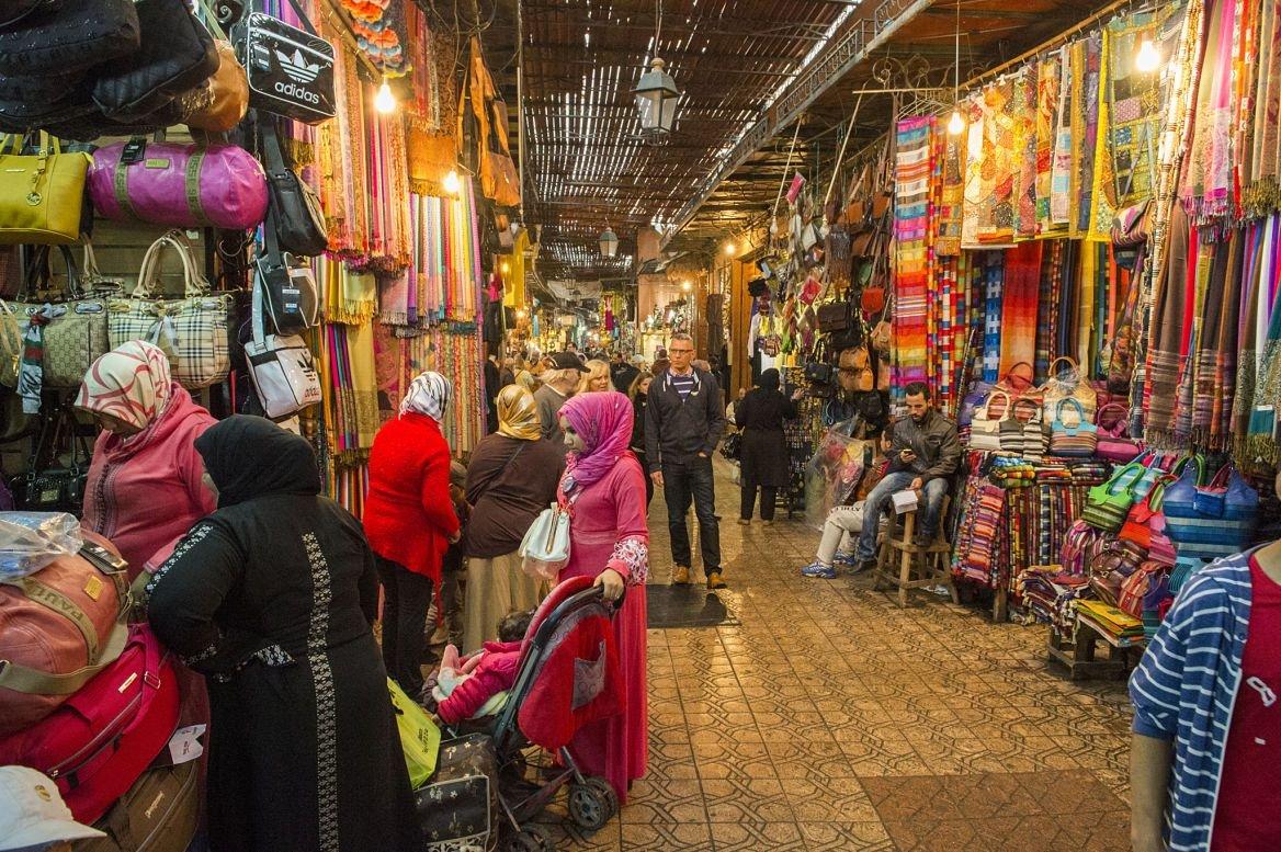 Souk principal de Jemma Dar Fna, Marrakech, Maroc