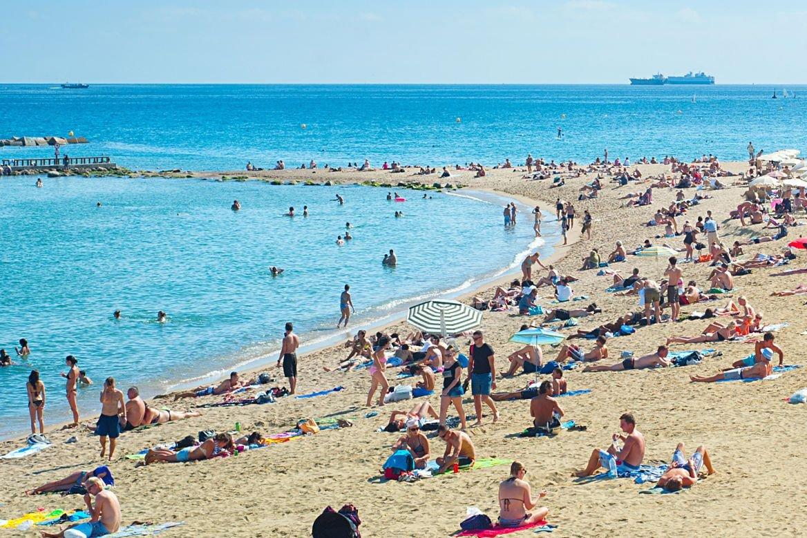 La plage de Barcelone City, la Barceloneta, Espagne
