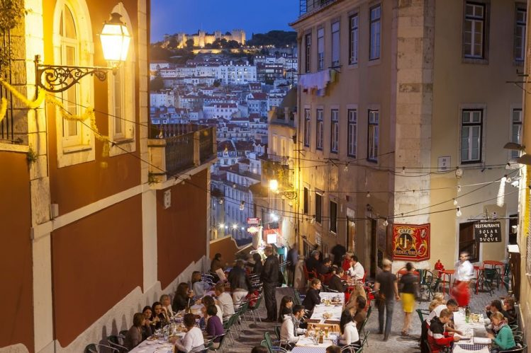 Soirée au Bairro Alto, Lisbonne, Portugal