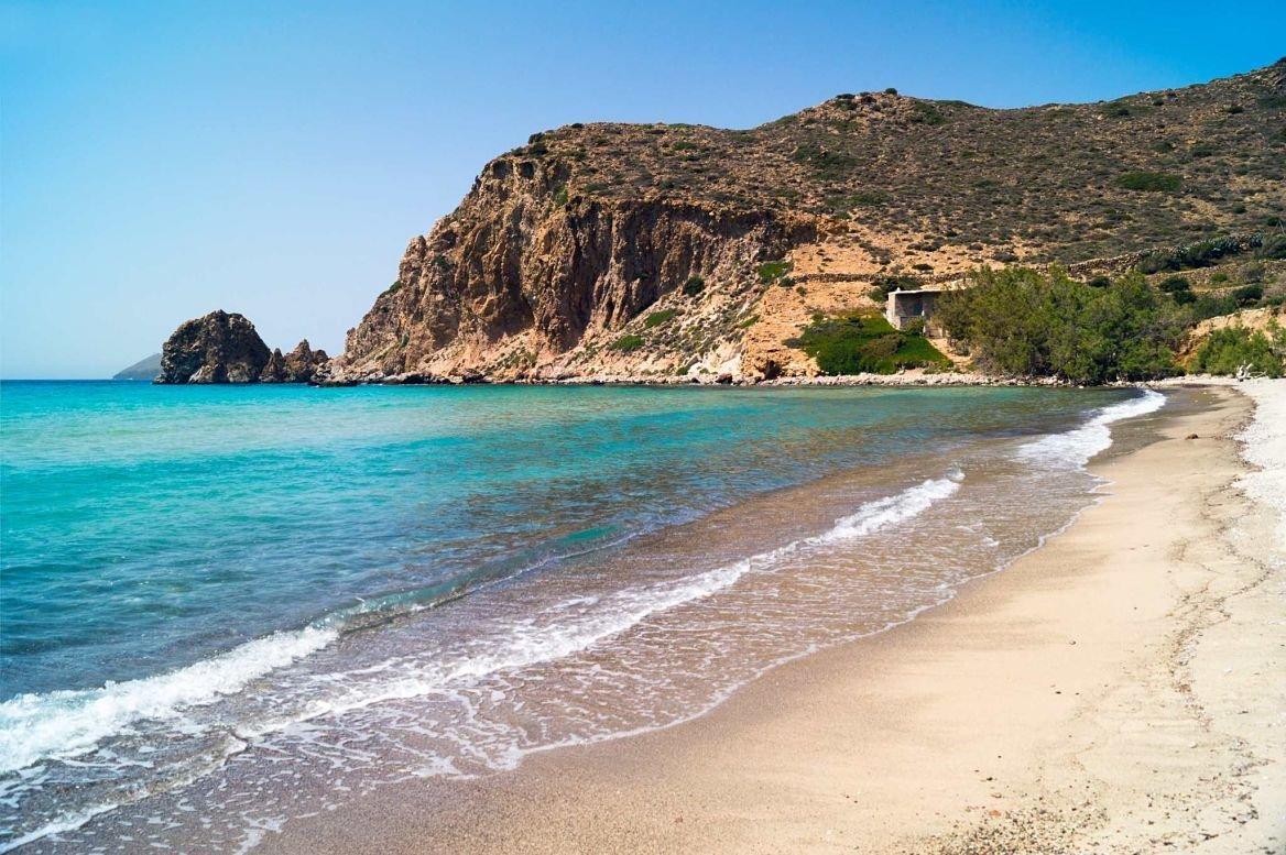 Plage sur l'île de Milos, Grèce