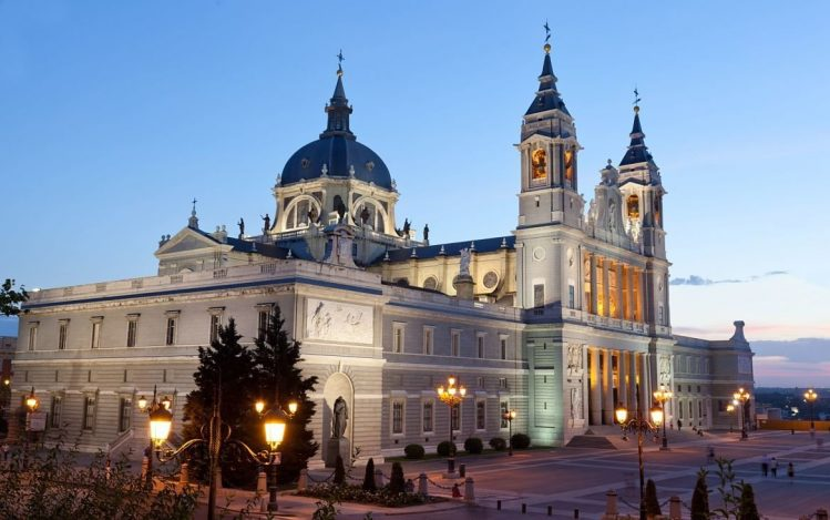 Cathédrale de la Almudena, incontournables, Espagne