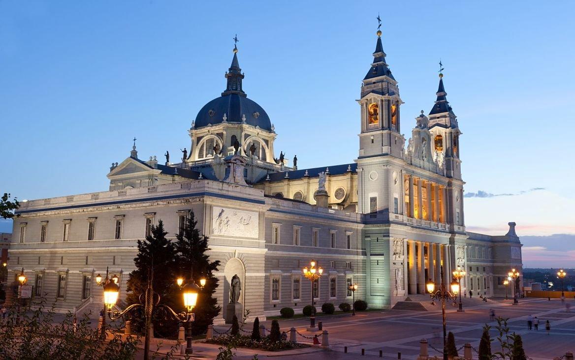 Cathédrale de la Almudena, Madrid, Espagne
