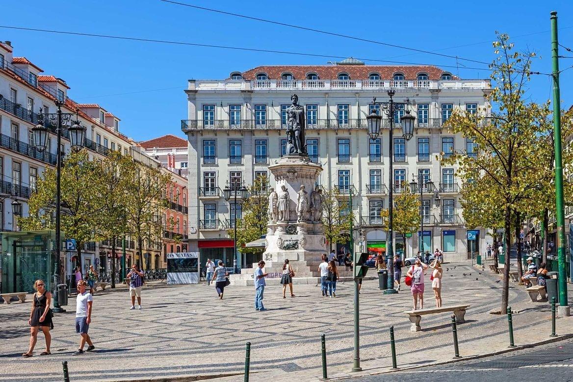 Place Luis de Camoes, Lisbonne, Portugal